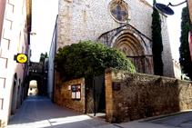 Església de la Mare de Déu del Carme i portal del Comte.
