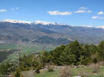 D´esquerra a dreta: la Carabassa (2.713m), el Puigpedrós (2.913m) i el Puig Farinós (2.613m).