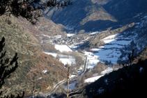 La Vallferrera i el poble d´Alins des del mirador de les Fargues.