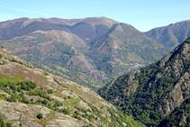Muntanyes occitanes i el poble francès de Meles.