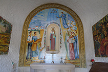 Interior de la capella del Roser.