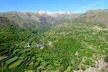 La vall d´Àssua des del serrat de Cortinos.