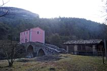 La serradora de Ca l´Ambròs, el pont romànic i els Estudis.