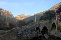 El bonic pont romànic de la Valldora.