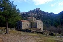 L´església de Sant Pere de Graudescales és l´únic que queda de l´antic monestir benedictí.