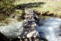 Passera per travessar el riu de la Llosa.