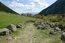 Murs de pedra seca a Cal Jan de la Llosa.