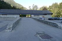 Edifici i pàrquing de Pont d´Espagne.