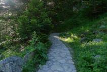 Inici del camí cap al llac de Gaube.