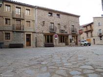 Plaça de l´església de Santa Maria de n´Hug.