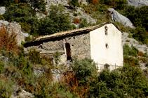 Ermita de Sant Gervàs amb la seva façana principal (la S) emblanquinada.