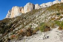Serrat de la Cabanera, punt on hi ha una gran fita de pedres.
