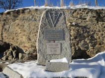 Monument a la memòria del capellà Jean Ginoux.