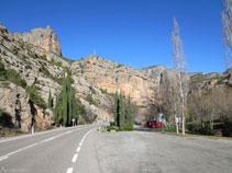 Àrea de descans de la Font de la Figuereta, a la dreta de la carretera pujant per la N-260.