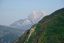 La inconfusible silueta del Pedraforca (2.506m).