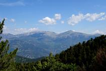 La Tosa d´Alp (2.536m), coll de Pal i Puigllançada (2.409m).