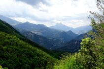 Vistes del Pedraforca pujant al Cap del Grau.