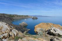 Illa de Portaló des del mirador de Pamperris.