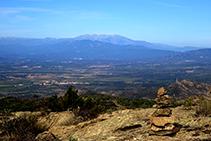 Fita i vistes a la plana empordanesa i al massís del Canigó (fora de ruta).