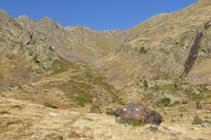Enllaç del GR 11 amb el camí al refugi de Comapedrosa.
