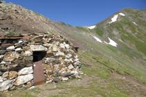 Cabana a la collada dels Meners.