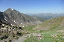 La vall de Sorteny i el pic de l´Estanyó des de la collada dels Meners.
