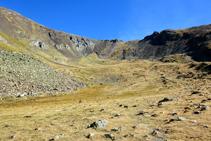 Clots de la Serrera, a la capçalera de la vall de Sorteny.