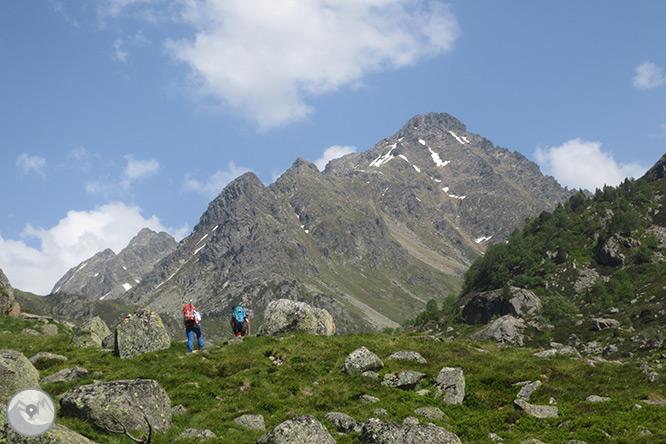 Pic de Rulhe (2.783m) des del Pla de les Peires 1