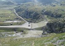 Vista de la esplanada on hem deixat el vehicle i de les pistes d´esquí d´Ordino-Arcalís.