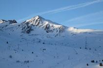 La muntanya de la Mina, omnipresent durant tot el recorregut.