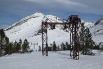 Antigues instal•lacions de les mines de Pimorent.