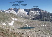 D´esquerra a dreta: Aneto, Espalda del Aneto, pic Tempestats, pic Margalida i pics Russell.