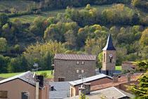 El campanar de l´església de Sant Esteve, al casc antic de Prullans.