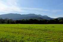 Muntanyes de Rocacorba a Canet d´Adri.