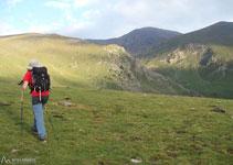 El cim del Puigmal ja s´observa des de Fontalba, això fa que l´itinerari sigui bastant senzill d´identificar i de seguir.