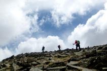 A punt d´arribar al cim del Puigpedrós.
