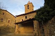 Església i campanar de Sant Romà de Joanetes.