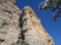 Voregem la base de la roca coneguda com El Ditet
