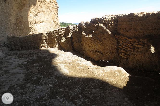 Roca del Corb i Roc de Cogul des de Peramola 1