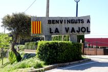 Entrada al poble de La Vajol.