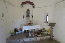 Interior de l´ermita de la Verge de Fajanillas.