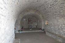 Interior de l´ermita de la Verge de la Peña.
