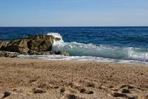 Onades a la platja de Sa Boadella.