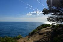 Vistes del mar des de la punta de Fenals.