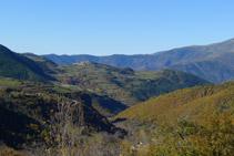 Vall de Siarb amb el nucli de Tornafort al capdamunt d´un turó.