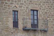 Detalls de la masia dels Casals.
