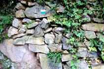Murs de pedra seca a la pedrera de la Font de l´Arç.