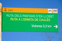 """Senyalització de la """"Ruta dels Pantans d´en Llobet""""."""