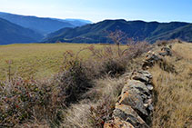 Mur de pedra seca.