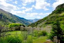 La vall d´Unarre mirant al SO des de Cerbi.